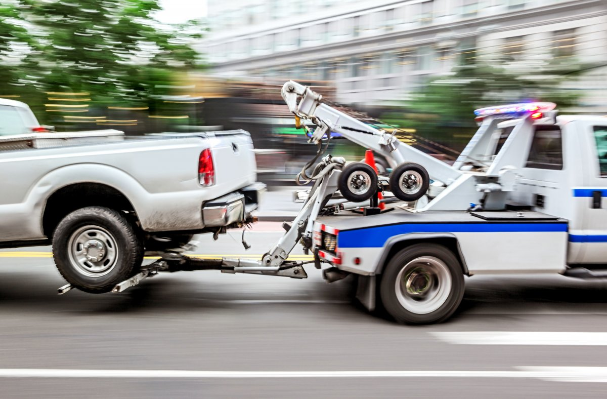 The Crucial Difference Between Heavy Duty Towing and Light Duty Towing